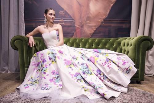 barbora-bakosova-saty-na-miss-international