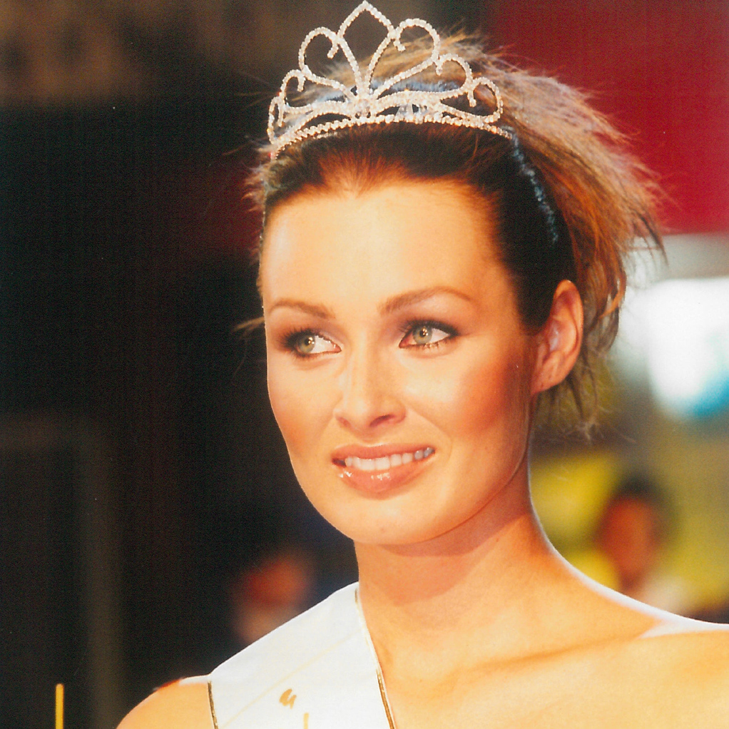 1-Vicemiss-2000-Martina-Hodruska-small