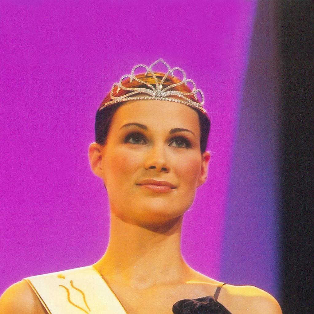 1-Vicemiss-2002-Hana-Burianova