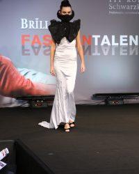 2009-fashion-show-talent-26