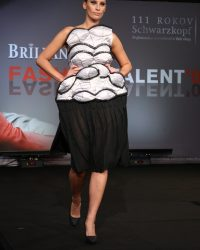 2009-fashion-show-talent-27