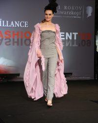 2009-fashion-show-talent-30