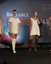 2009-fashion-show-talent-35