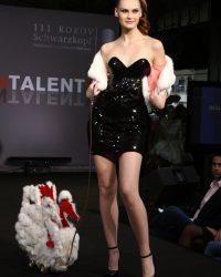 2009-fashion-show-talent-41