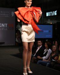 2009-fashion-show-talent-47