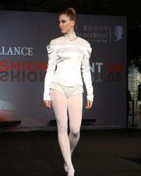 2009-fashion-show-talent-54