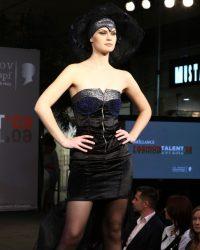 2009-fashion-show-talent-63