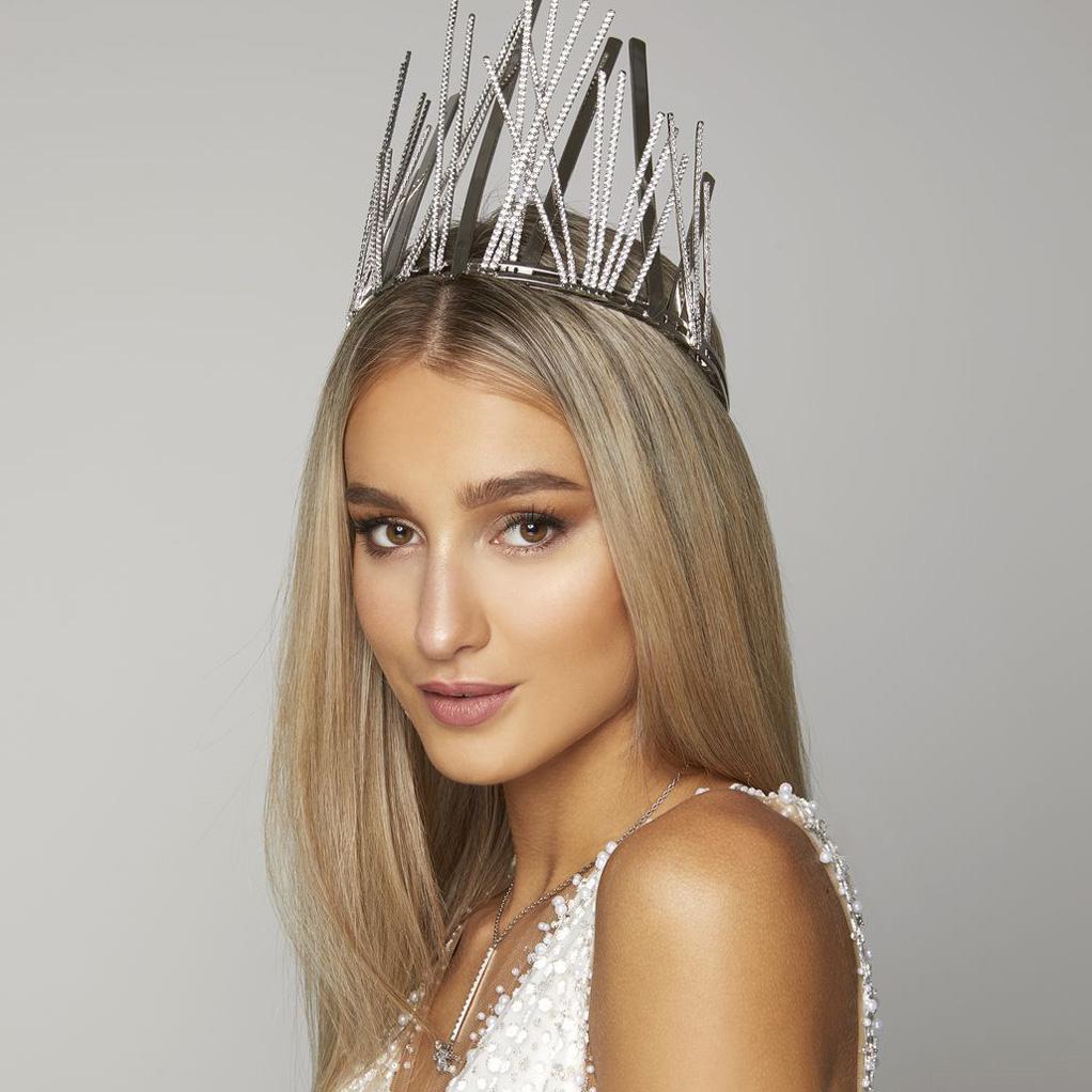 Miss-Slovensko-2020-Leona-Novoberdaliu